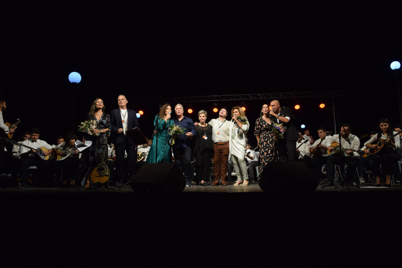 «Λαϊκές περιπλανήσεις»: Μια ιδιαίτερη μουσική βραδιά απόλαυσαν οι Πατρινοί στο Μόλο (pics)