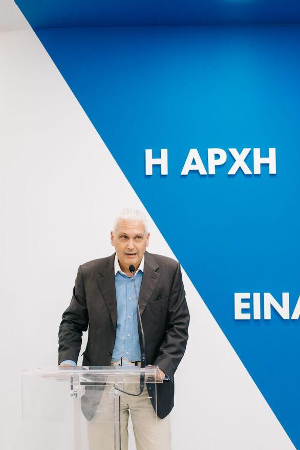 Ο Αντιπεριφερειάρχης κ. Φωκίων Ζαΐμης, ευχήθηκε καλή επιτυχία στην σημαντική προσπάθεια του ΙΙΕΚ ΣΒΙΕ ενώ εξήρε τη σημασία που η Περιφέρεια Δυτικής Ελλάδας δίνει στον τομέα της εκπαίδευσης