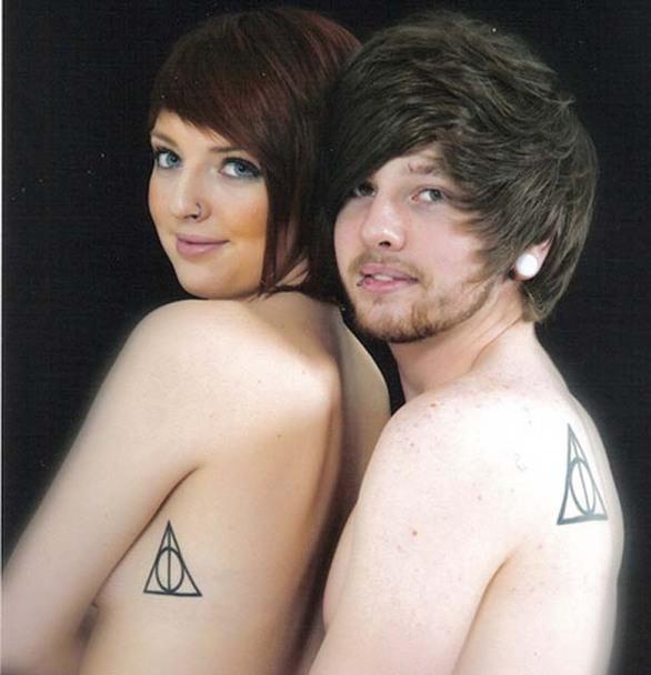 Τα πιο παράξενα τατουάζ ζευγαριών (pics)