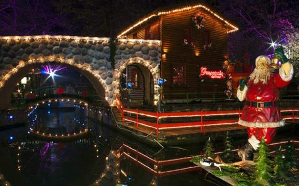 Τα χωριά των Χριστουγέννων στην Ελλάδα που πρέπει να επισκεφθείτε (pics)