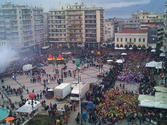 Πάτρα: Όταν κοιτάς το Πατρινό καρναβάλι από ψηλά! (pic)