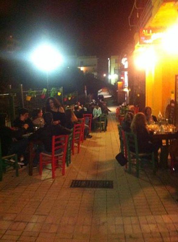 Βόλτα στην γοητευτική γειτονιά της Πάτρας που θυμίζει την Πλάκα της Αθήνας!