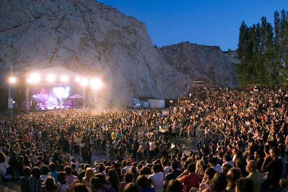 Το «10ο Schoolwave festival» πλησιάζει! – Έντονο το άρωμα της Πάτρας (pics+vids)