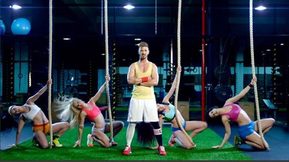 Δείτε την σέξι γυμναστική του Νίκου Γκάνου (pics+video)
