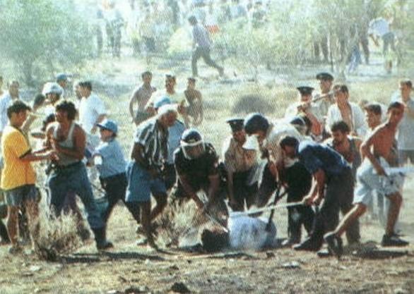 Τάσος Ισαάκ (1972 - 11 Αυγούστου 1996) - Η Δολοφονία που ΔΕΝ ξεχνιέται! (pics+vids)