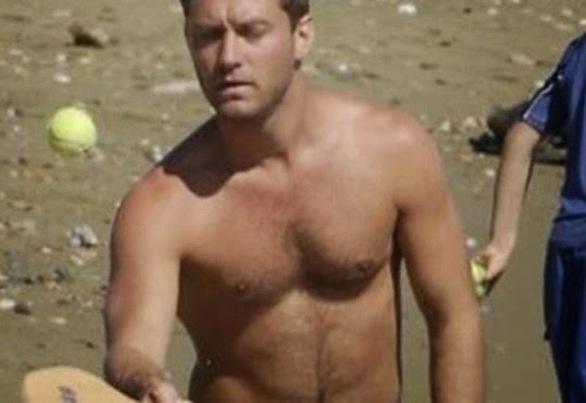Jude Law: Διακοπές στη Σίφνο μαζί με την οικογένειά του (pics)