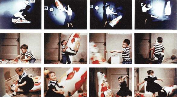 Τα παιχνίδια δεν είναι μόνο για ψυχαγωγία, είναι επίσης ιδανικά για πειράματα κοινωνικής ψυχολογίας. Ένα τέτοιο εντυπωσιακό πείραμα έλαβε χώρα το 1961 στο Πανεπιστήμιο Στάνφορντ, από τον καθηγητή Albert Bundura, και περιλάμβανε τον φουσκωτό κλόουν Bobo Doll. Στην πρώτη από τις τρεις πειραματικές συνθήκες, ένας ενήλικας κακομεταχειριζόταν και κακοποιούσε την κούκλα, στη δεύτερη την αγνοούσε παίζοντας με ένα άλλο παιχνίδι και στην τρίτη, τη συνθήκη ελέγχου, δεν υπήρχε βιντεάκι να παρακολουθήσουν τα παιδιά. Κατόπιν τα παιδιά αφέθηκαν ελεύθερα να αλληλεπιδράσουν με το παιχνίδι και όσα είχαν δει τον ενήλικα να το κακομεταχειρίζεται, έκαναν ακριβώς το ίδιο: μετατράπηκαν σε Ράμπο και του άλλαξαν τα φώτα, κάτι που δεν έκαναν φυσικά τα παιδιά των άλλων συνθηκών. Στο περίφημο κοινωνικο-ψυχολογικό πείραμα ο Bandura συνειδητοποίησε ότι τα παιδιά μαθαίνουν συμπεριφορές παρατηρώντας τους άλλους, σαφώς ορόσημο για τη δεκαετία του 1960, όταν η επικρατούσα παιδαγωγική θεωρία έλεγε ότι τα παιδιά μαθαίνουν μέσω συστήματος αντα