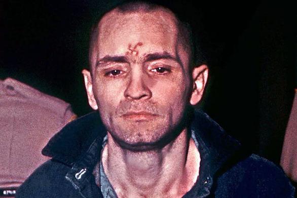 Τσαρλς Μάνσον: Ο ανατριχιαστικός φονιάς που δολοφόνησε άγρια πριν χρόνια την Σάρον Τέιτ (pics+vid)