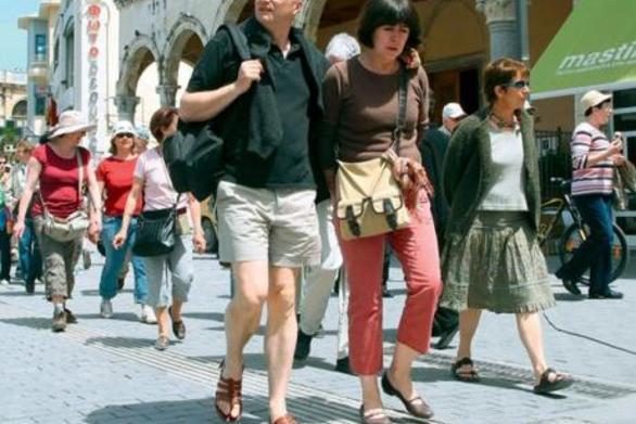 Και όμως υπάρχουν ακόμα τουρίστες στην Πάτρα!