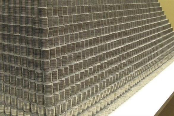 Λιθουανία: Φοιτητές δημιούργησαν πυραμίδα 831 κιλών από... κέρματα (pics)