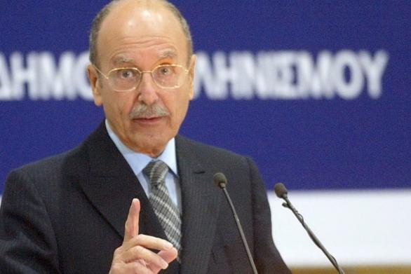 Σαν σήμερα 8 Μαρτίου ο Κωστής Στεφανόπουλος ορκίζεται Πρόεδρος της Δημοκρατίας