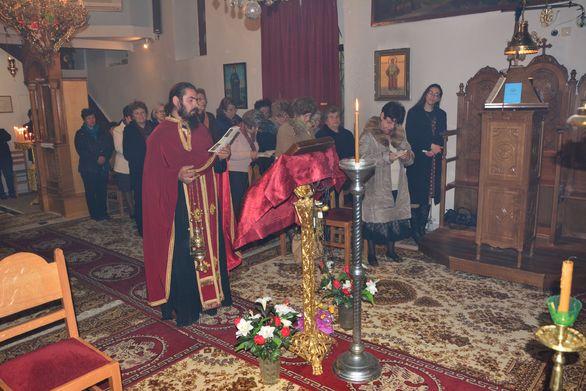 Πάτρα: Ο Όμιλος Ελληνικών Παραδοσιακών Χορών του Πανεπιστημίου στον Ιερό Ναό Αγίου Γρηγορίου Αιγιαλείας (pics)