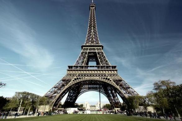 Σαν σήμερα 6 Μαΐου ανοίγει για το κοινό ο Πύργος του Άιφελ στο Παρίσι