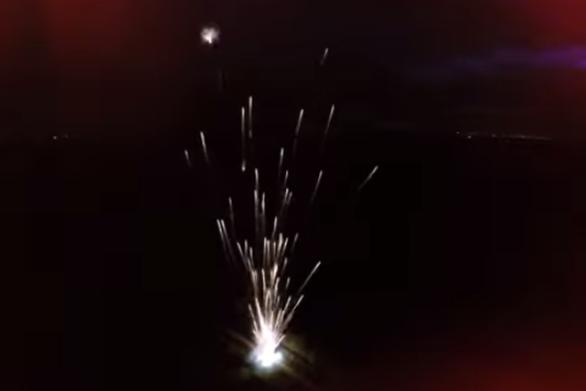 Εκτοξεύοντας ταυτόχρονα 300 ρουκέτες (video)
