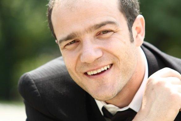 Φώτης Σπύρου: Παντρεύεται τον κατά 19 χρόνια νεότερο φίλο του!