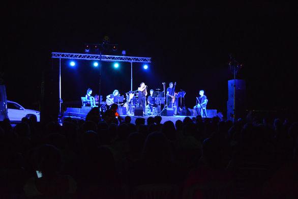 """Αίγιο: Μια μαγική μουσική """"βόλτα"""" με... ολόγιομο φεγγάρι στην παραλία Ριζομύλου (pics)"""