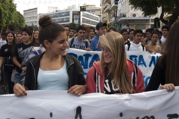 Πάτρα: Στους δρόμους και πάλι οι μαθητές