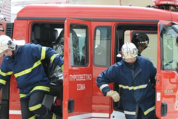 Aχαΐα: Φωτιά εκδηλώθηκε σε πυρηνελαιουργείο στη ΒΙΠΕ