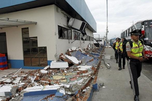 Ξεπερνούν τους 640 οι νεκροί από τον σεισμό στον Ισημερινό
