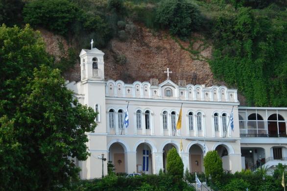 Αίγιο: Πανηγυρίζει την Παρασκευή η Παναγία Τρυπητή