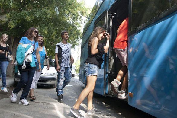 Αχαΐα: Πάνε να κόψουν το 20% με 30% των δρομολογίων της μεταφοράς μαθητών