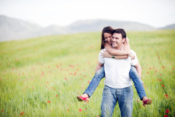 Μικρές πράξεις αγάπης που θα κάνουν το σύντροφό σας να ''λιώσει''