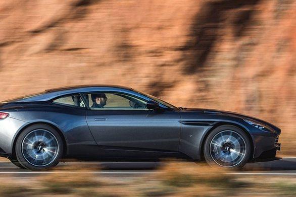 Δοκιμές στους 50°C για τη νέα Aston Martin (video)