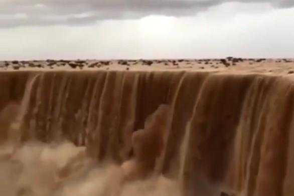 Ένας αλλιώτικος καταρράκτης... από άμμο (video)