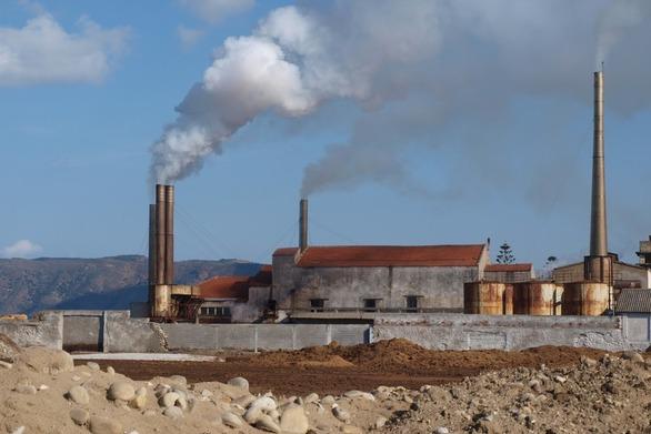 «Βασίλειο» των ρύπων η Δυτική Αχαΐα εξαιτίας των πυρηνελαιουργείων