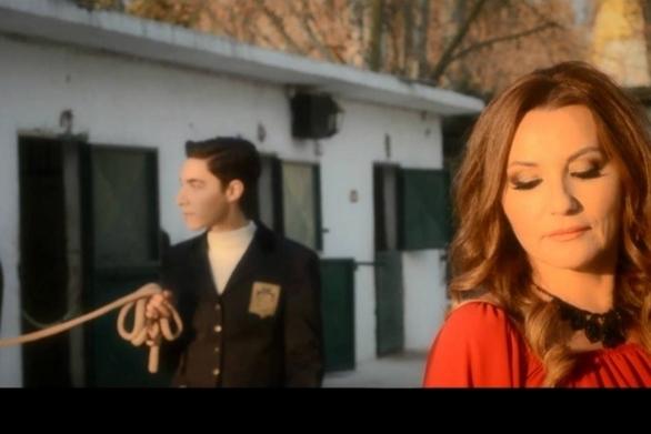 Πόπη Μαλλιωτάκη: Ο γιος της παίζει στο νέο της video clip!