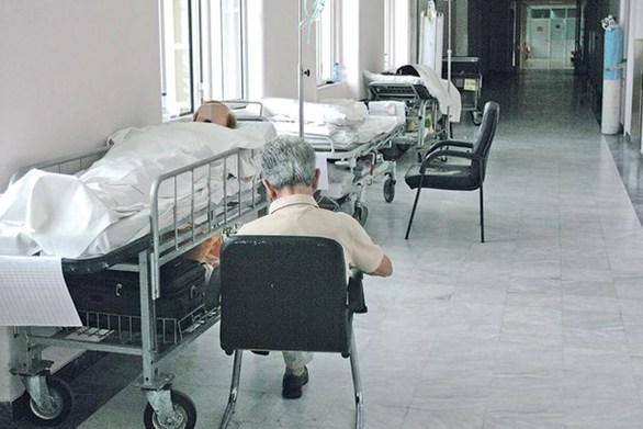ΠΟΕΔΗΝ: Η γρίπη θερίζει - 70 ασθενείς σε ράντζα περιμένουν για ΜΕΘ