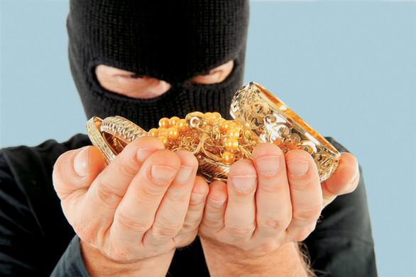 Πάτρα: Άγνωστοι διέρρηξαν σπίτι και αφαίρεσαν χρυσά κοσμήματα αξίας 10.000 ευρώ