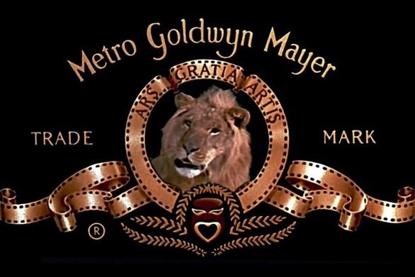 Η ιστορία του λογότυπου που εδώ και έναν αιώνα… βρυχάται (video)