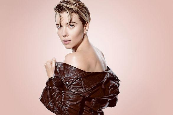 Scarlett Johansson: «Δεν είναι φυσιολογικό να είσαι μονογαμικός»
