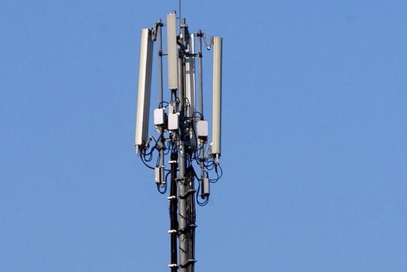 Πάτρα: Μπλόκο σε κεραία κινητής τηλεφωνίας στην Οβρυά