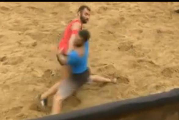 Ξεκαρδιστικό βίντεο - Ο Βαρούχας σχολιάζει τις αμφισβητούμενες φάσεις στο Survivor