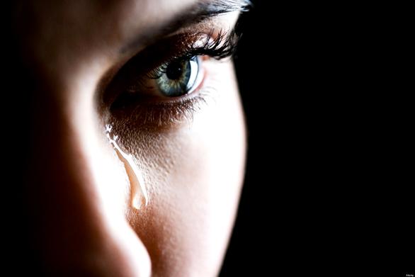 Πάτρα: Με 40€ τον μήνα μεγαλώνει 3 παιδιά η μάνα της 17χρονης, που λιποθύμησε από την πείνα!
