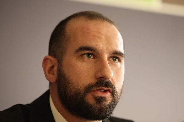 """Τζανακόπουλος: """"Η κυβέρνηση εξετάζει όλες τις δημοσκοπήσεις"""""""