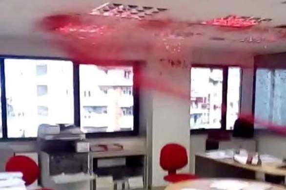 Η εισβολή αντιεξουσιαστών στην εταιρεία Adecco στη Θεσσαλονίκη (video)