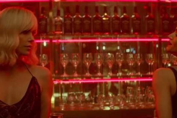 Απίστευτα σέξι η Σαρλίν Θερόν στη νέα ταινία της «Atomic Blonde» (video)