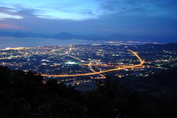 Αντικαταστάθηκαν λάμπες σε Ρίο και Πάτρα με τύπου LED - Επεκτείνεται ο φωτισμός στο Νότιο Πάρκο