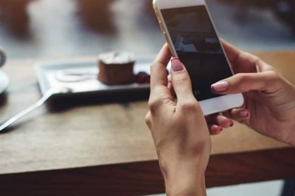 15 οδηγίες από τον Ιατρικό Σύλλογο για τη χρήση των κινητών