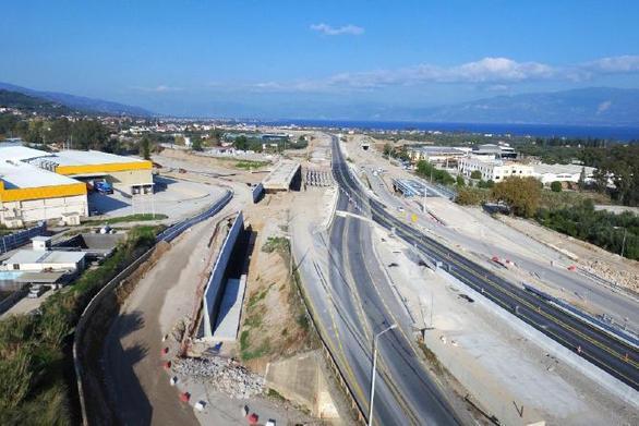 Σε τροχιά δημοπράτησης η ηλεκτροκίνηση της γραμμής Κιάτο-Ροδοδάφνη