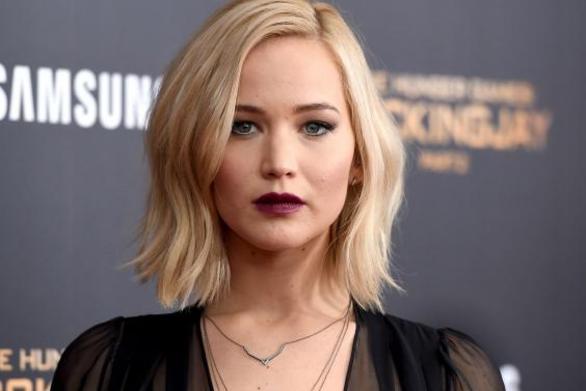 Βλάβη και στους δύο κινητήρες του ιδιωτικού αεροπλάνου της Jennifer Lawrence!