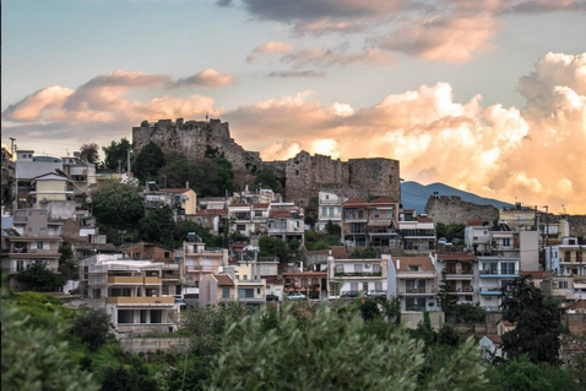 Η αρχαία Ακρόπολη των Πατρών είναι το καλύτερο σημείο για να αγναντέψει κανείς την πόλη από ψηλά !