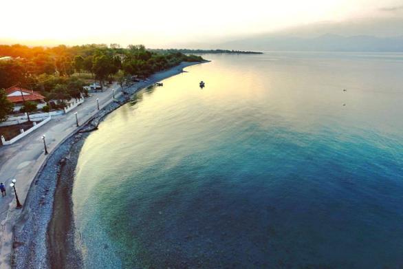 Μια όχι τόσο διαφημισμένη παραλία της Αχαΐας για το τελευταίο Σ/Κ του Ιουνίου!