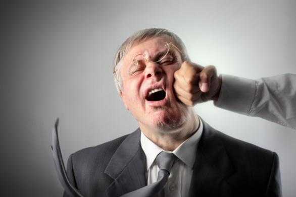 Αποτέλεσμα εικόνας για Μεσολόγγι: 50χρονος ξυλοφόρτωσε υπάλληλο της ΔΕΗ – Σκηνές απείρου κάλλους