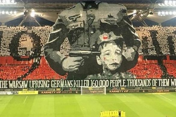 Το ανατριχιαστικό αντιναζιστικό πανό των οπαδών της Λέγκια (pics+video)