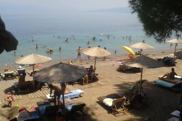 Με κουβαδάκια, ρακέτες, σαγιονάρες και μαγιό οι Πατρινοί στις παραλίες! (φωτο)