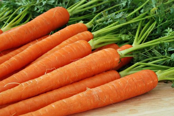 Χρησιμοποιήστε καρότα για λαμπερό πρόσωπο